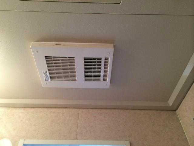 世田谷区 MAX浴室換気乾燥機 BS-131LHからBS-151Hの交換工事