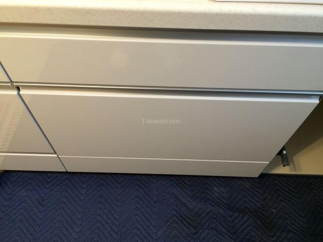 LIXIL ASキッチンの750㎜キャビネットを分割して食洗機を取り付ける工事