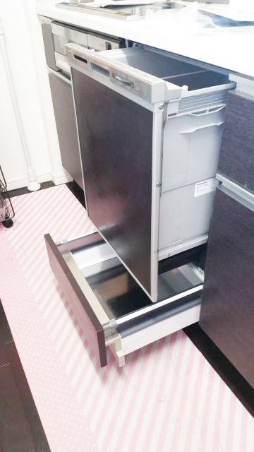 埼玉県さいたま市北区宮原町 パークシティさいたま北 パナソニックビルトイン食洗機NP-45MD7Sに下部収納を取り付ける工事を行いました。