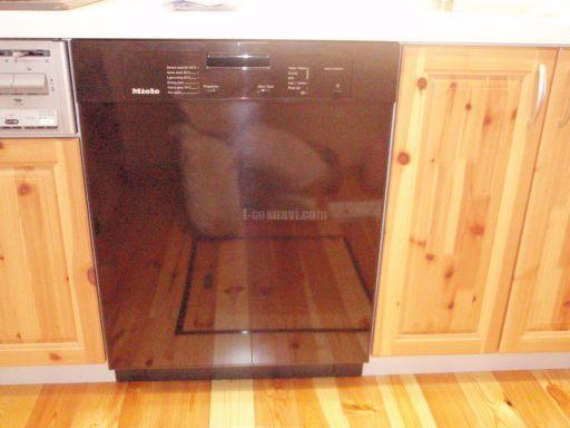 Miele 食器洗浄機 G1142SCu(ダークブラウン) キャビネットを分割しての交換工事