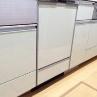 東京都足立区六月 一戸建てのお宅のファーストプラス社キッチン、75㎝引出し部分にビルトイン食洗機を取り付けました。